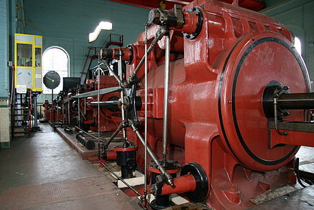 440px-Monstrous_steam_engine,_Astley_Green,_Lancashire.jpg