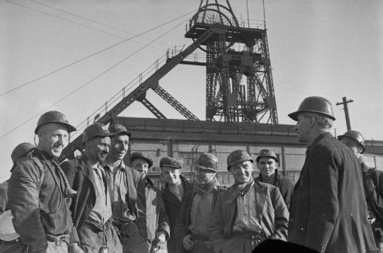 Bevin_Boys-_Coal_Mining_Training_at_Ollerton,_Nottinghamshire,_England,_February_1945_D23740.jpg